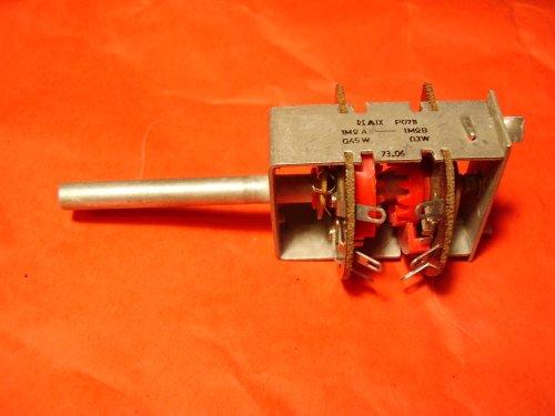 P1010013_Potmeter_2x1M.JPG