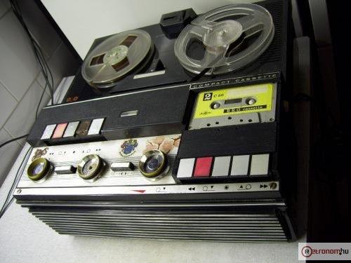 BRG M-11 szalagos-kazettás magnetofon