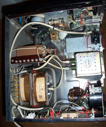 ELEKTRONYIKA Mikrohullámú sütő (SZP-01) belseje