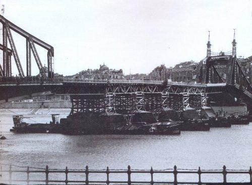 Ferenc József híd pontonátkötéssel