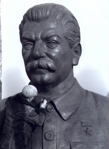 Sztálin szobor készül