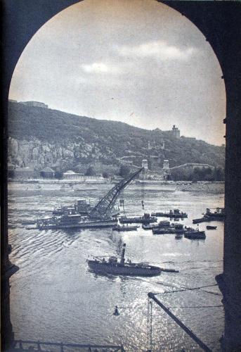 Erzsébet híd roncskiemelése