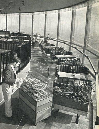 Panoráma presszo a Misina tetői tv-toronyban