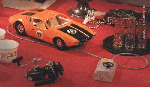 Piko De-Tomasso Mangusta távirányítós autó