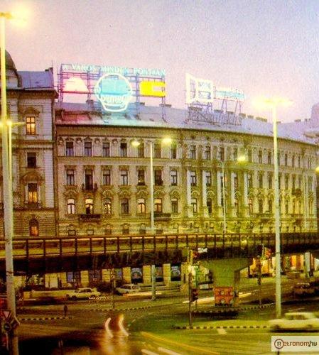 Nyugati Marx tér neonok