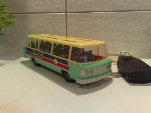 Lengyel távirányítós autóbusz