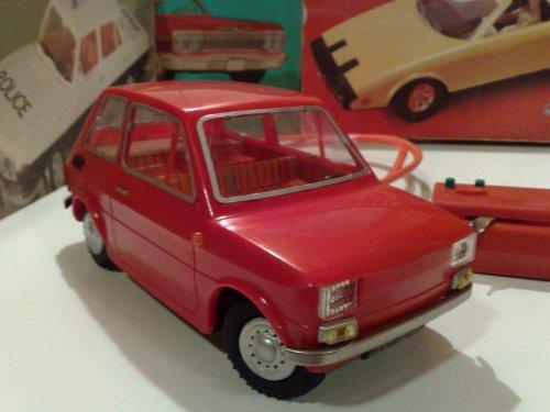 Polski Fiat 126p távirányítós autó