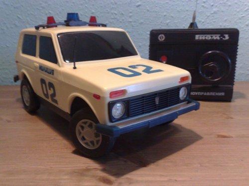 Lada Niva rendőrségi rádió távos