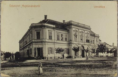 Hajdúnánás - Városháza