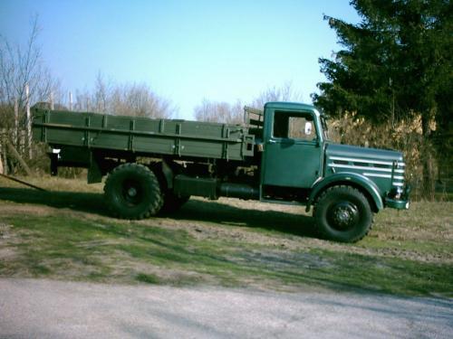 Csepel teherautó