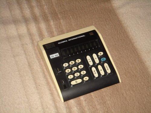 Olympia International CD-100 asztali számológép