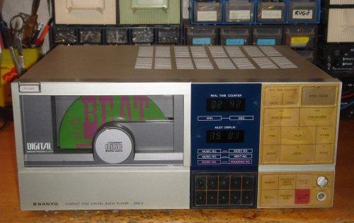 SANYO DAD-8 asztali CD-játszó