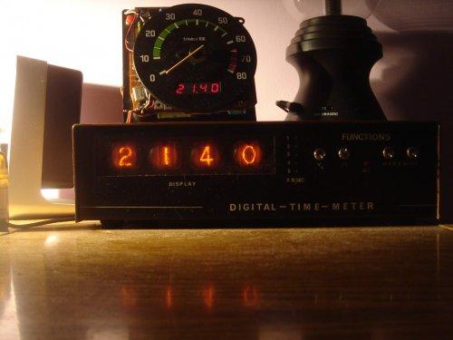 Újabb nixie-csöves digitális óra