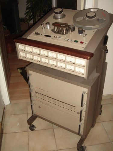 TASCAM 85-16B 16-sávos stúdiómagnó