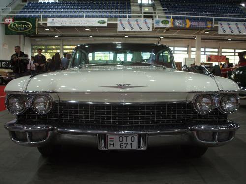 Cadillac Seadan DeVille  1.
