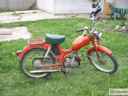 Komar moped