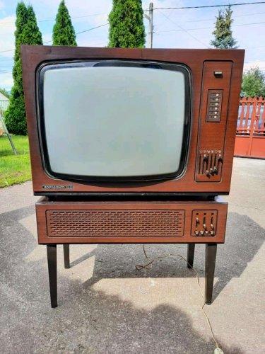 Orosz színes tv