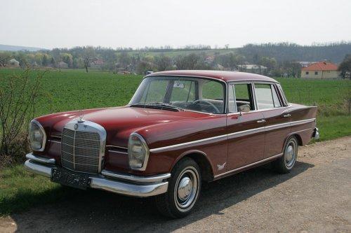 Mercedes Benz W111 230S