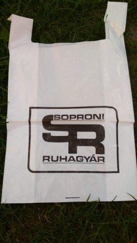 Soproni ruhagyár reklámzacskó