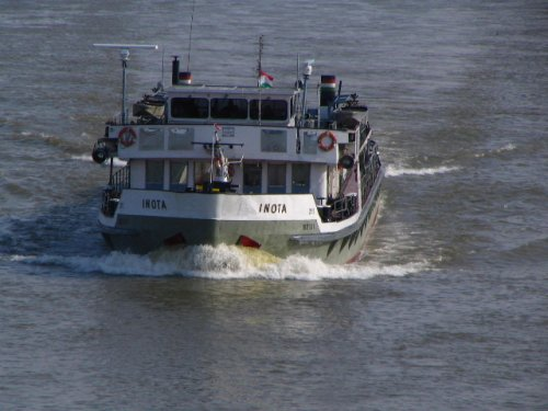 Inota vontatóhajó