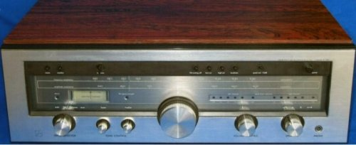 Luxman R-1040 front