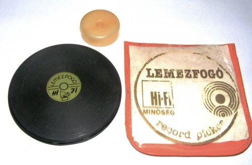 Lemezfogó, kislemez központosítóval