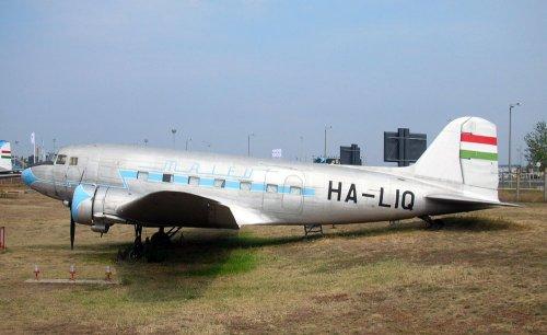 Malév LI-2 repülőgép