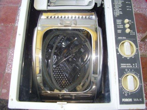 Félautomata mosógép