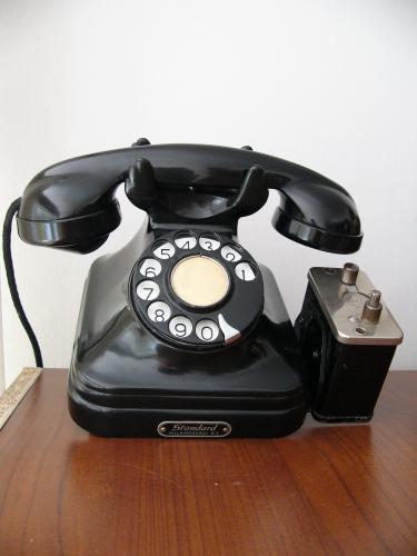 CB 35-ös telefon pénzbeszedő persellyel (ritka)