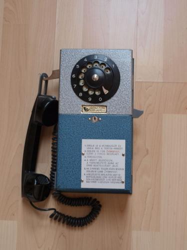 Nyilvános telefon