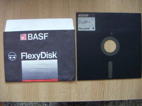 """Floppy lemez 8""""-os"""