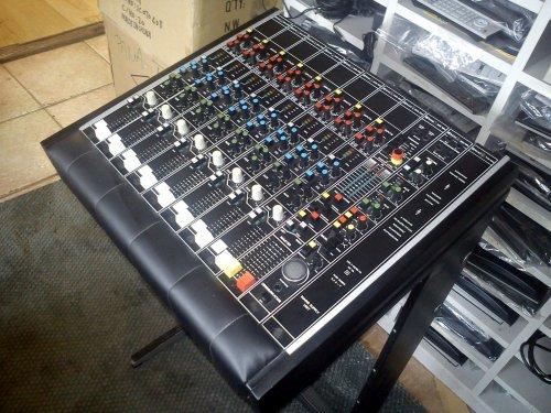 BEAG keverőasztal - PKC901 - 8 sávos változat