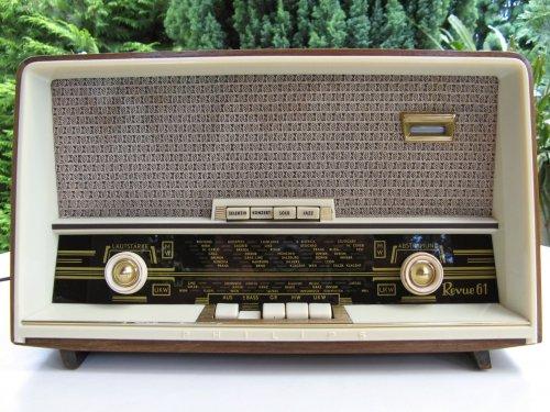 Philips Revue 61, B3A03A rádió