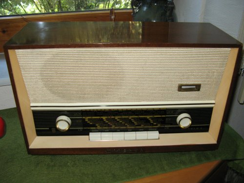 MINERVA Minola 2 rádió (593N)
