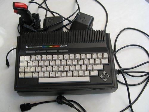Commodore plus/4 számítógép