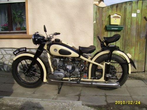 Ural motorkerékpár M61