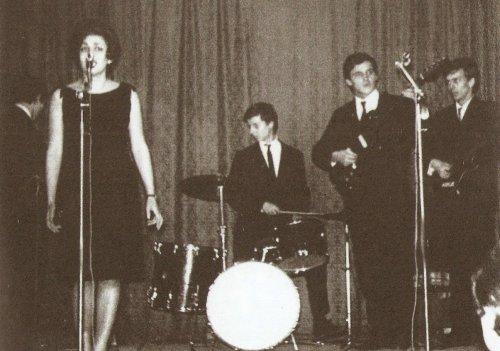 Tárkányi Tamara és a Metró együttes