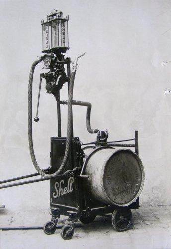 Mobil benzinkút