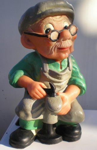 Tisza Cipőgyár figurája
