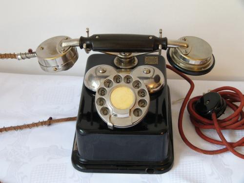 CB 24-es telefon