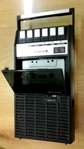 SANYO hordozható magnetofon