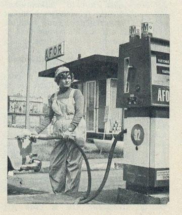 ÁFOR - tankolás