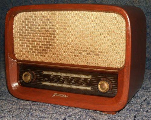 Vadásztölténygyár R 736 Fehérvár rádió