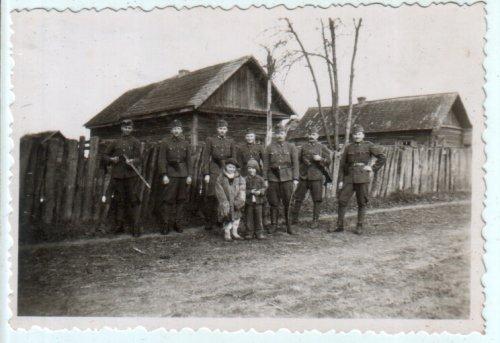 Katonák 1943