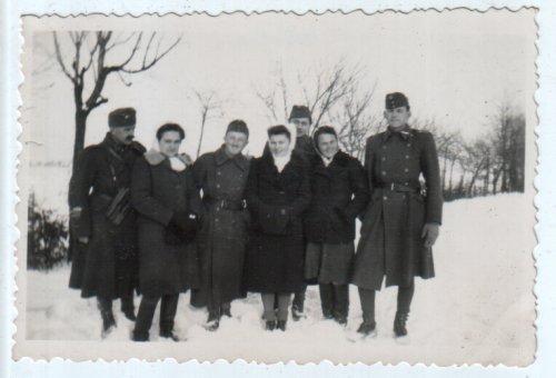 Katonák 1944