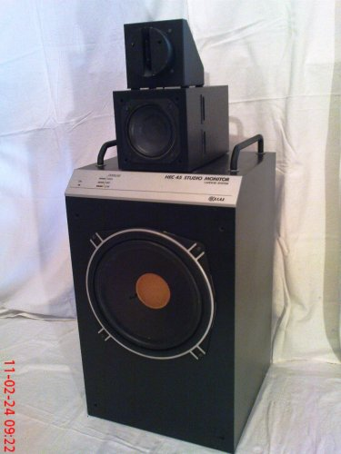Beag HEC 45 stúdió monitor ...