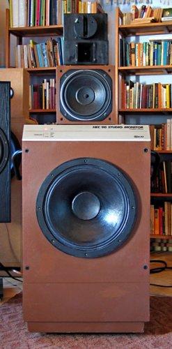 Beag  HEC90 stúdió monitor