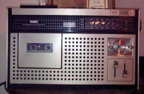 Intel rádiósmagnó