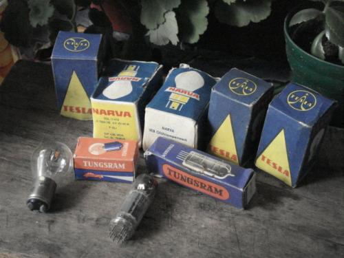 izzók és elektroncsövek