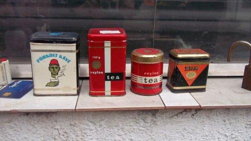 Kávés és teás fémdobozok gyűjteményből